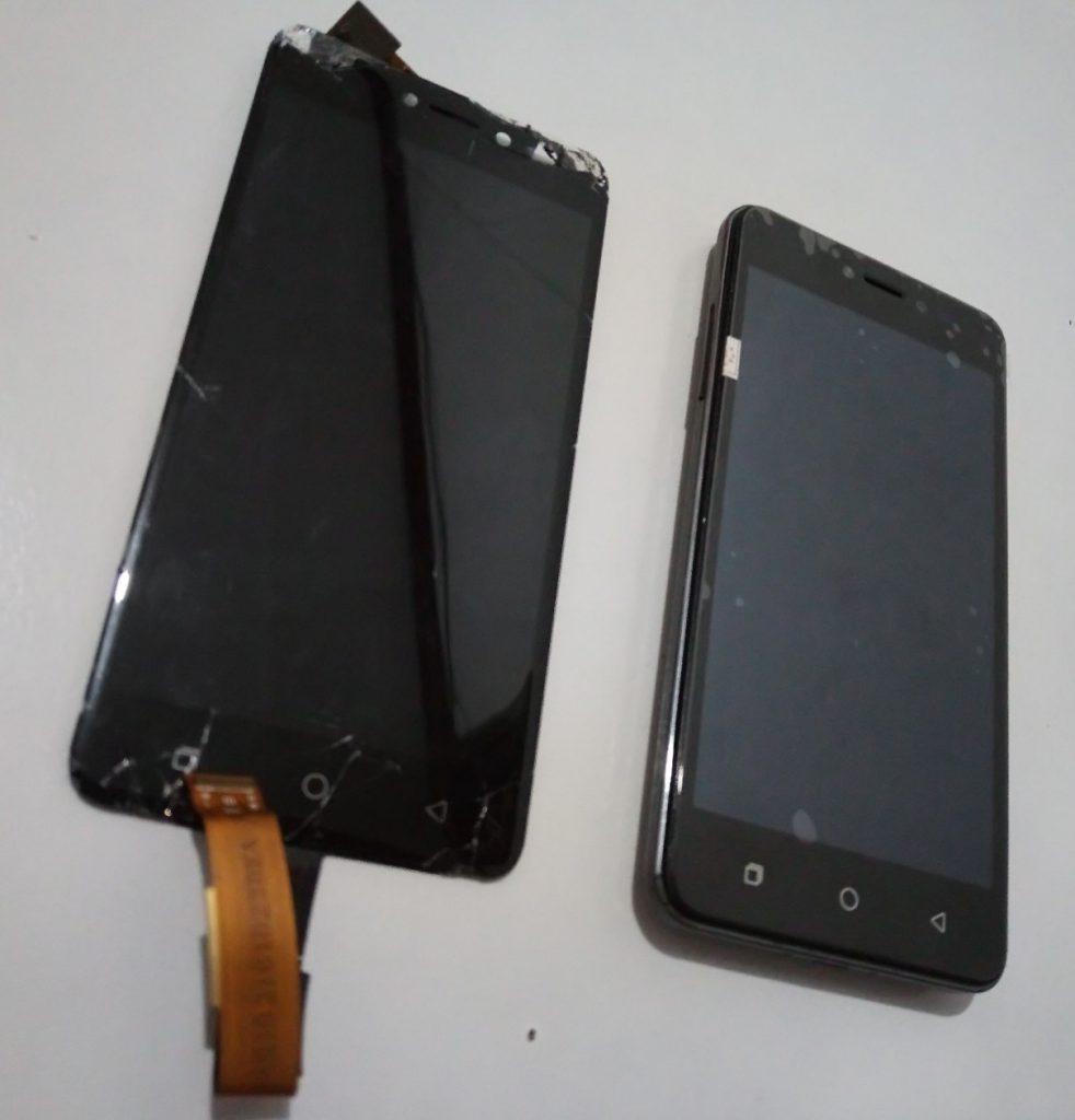 LCD pecah