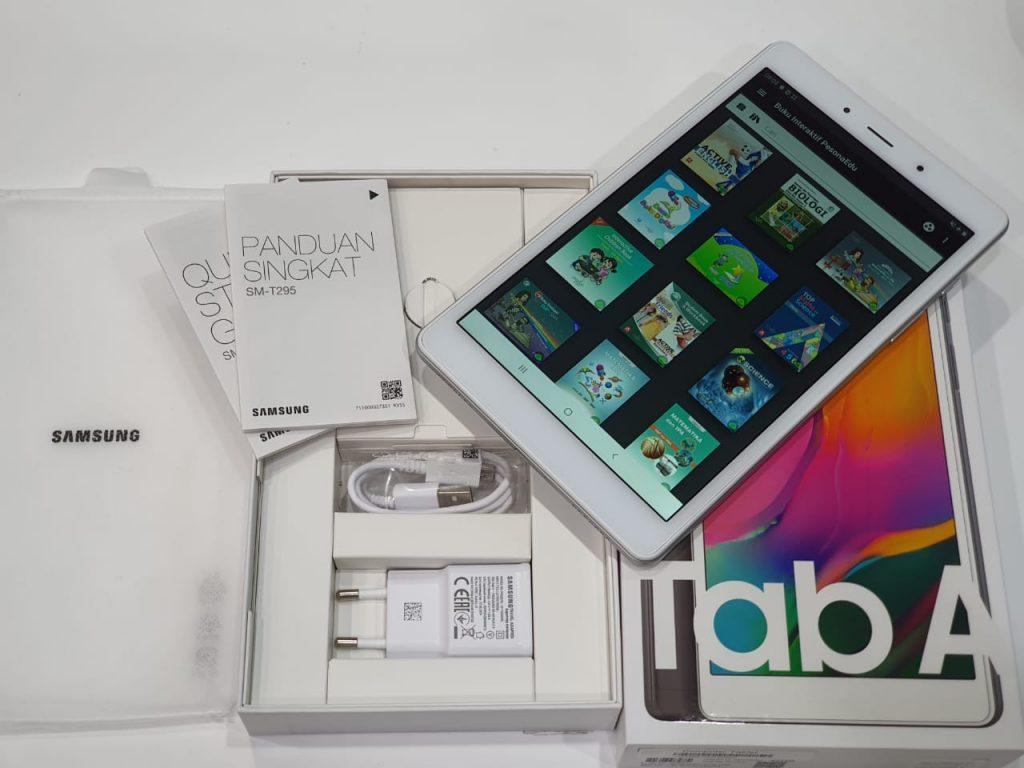 paket penjualan Samsung Galaxy Tab A 2019 (cover belakang)
